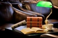Художественная литература может поднять настроение