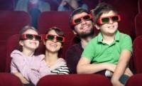 Семья идёт в кино и театр