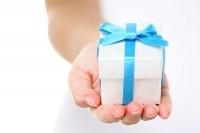 Женщины должны принимать подарки от своих мужчин
