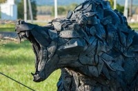 Скульптура из шин - очень мужское хобби