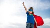 Ребёнок мечтает стать суперменом