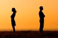 Почему равнодушие к другим - это нормально